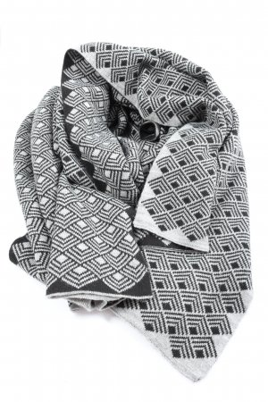 Opus Häkelschal hellgrau-schwarz abstraktes Muster Elegant