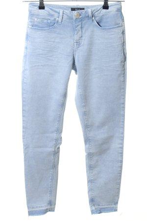 Opus pantalón de cintura baja azul look casual