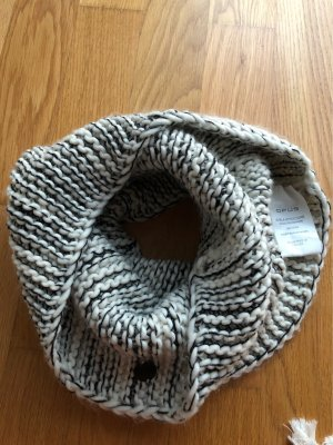 Opus Schal aus Strick
