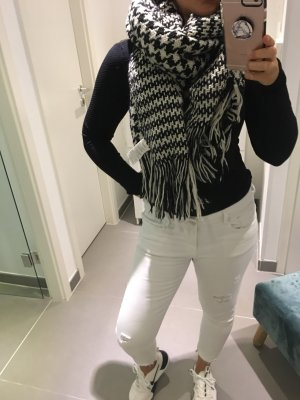Opus Knitted Scarf black-white