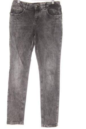 Opus Slim Jeans dunkelgrau Street-Fashion-Look