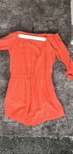Orangefarbener Jumpsuit