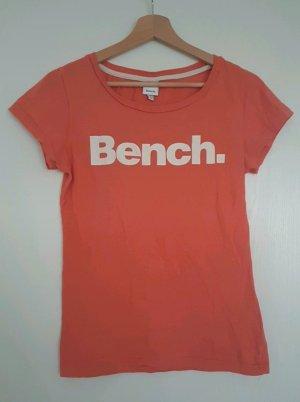 Orangefarbenes T-Shirt von Bench