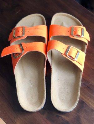 Orangene Lazamani Sandalen 39