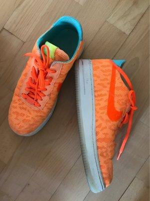 Orangene Nike Schuhe - Nike Air