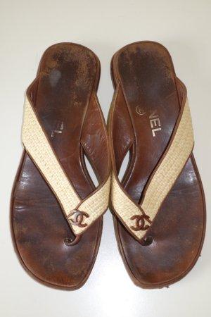 Org. CHANEL Zehen-Sandaletten aus Echtleder mit Bastdetails Gr.38