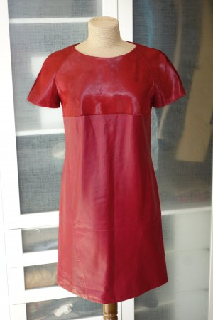 Escada Robe en cuir rouge foncé cuir