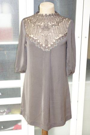 Org. PATRIZIA PEPE Kleid in taupe mit tollem Ausschnitt und Details Gr.36