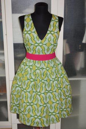 Org. PINKO Kleid ausgestellt mit tollem Muster und Taillengürtel Gr.36