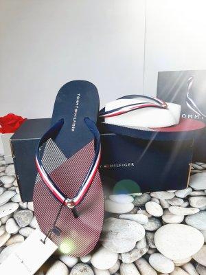 Tommy Hilfiger Toe-Post sandals red-blue
