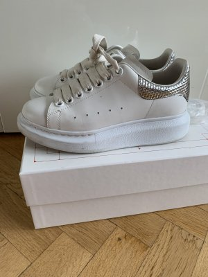 Alexander McQueen Trampki na platformie biały-srebrny Skóra
