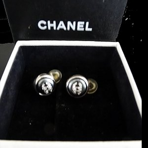 Chanel Pendientes de clip color oro