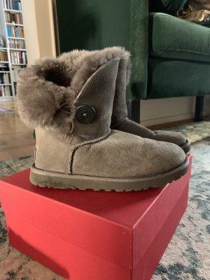 Orig UGG Uggs Boots Lammfell grau 37 Stiefel neuwertig