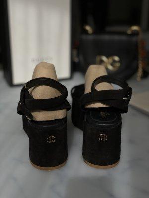 Chanel Décolleté con plateau nero-giallo-oro