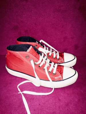 Converse Lace-Up Sneaker red-dark red