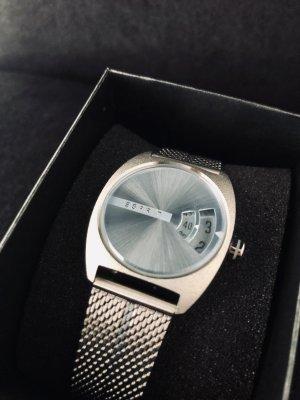 Esprit Montre avec bracelet métallique argenté-bleu pâle