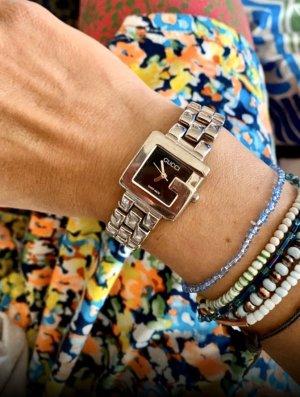 Gucci Zegarek z metalowym paskiem srebrny-czarny