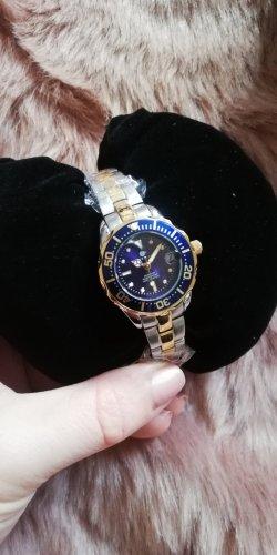 Montre avec bracelet métallique multicolore