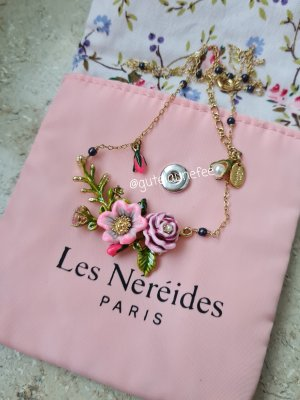 Original Les Néréides Blumen Kette vergoldet neuwertig