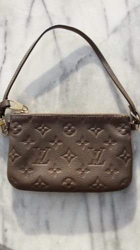 Louis Vuitton Bolso tipo pochette taupe