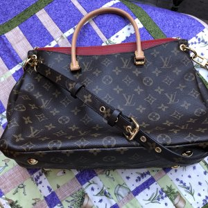 "Original Louis Vuitton Tasche ""Pallas MM Red Cerises"""