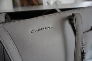 Original Michael Kors Jet Set in Pearl Grau