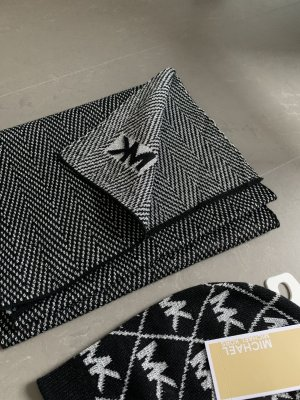 Michael Kors Woolen Scarf black-silver-colored