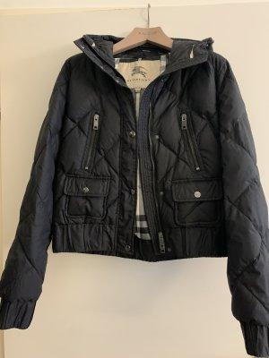 Original neuwertige schwarze kurze Daunen Jacke von burberry, Größe large.