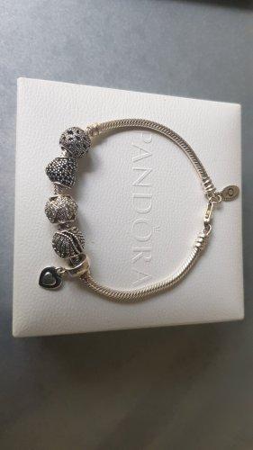 Original Pandora Armband mit 5 originalen Beads / Charms Pavé Zirkonia neuwertig
