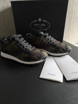 Prada Sneakers met veters khaki