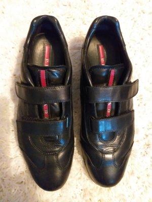 Prada Zapatillas con velcro negro