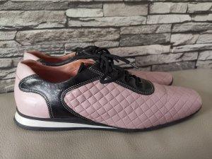 Prada Sneakers met veters zwart-stoffig roze