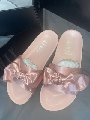 Fenty Puma Comfortabele sandalen roze