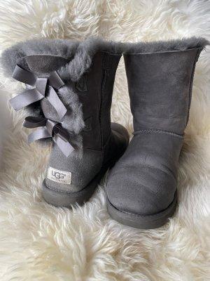 Original UGG Bailey Bow Boots Größe 39