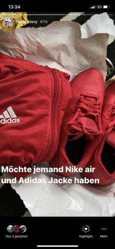 Originale Nike air größe40 Adidas Jacke dazu
