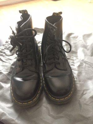 originale schwarze Stiefeln von Dr. Martens in Größe 36