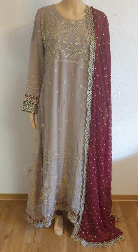 1 brand Robe longue gris clair-rouge carmin