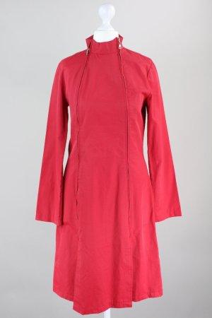 Manteau de pluie rouge brique