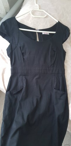 Orsay schwarzes Kleid fein wie neu 38