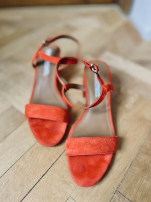 AndOtherStories Sandalo con cinturino e tacco alto rosso Pelle