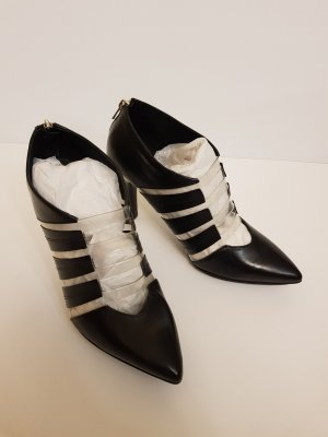 & other stories Pumps