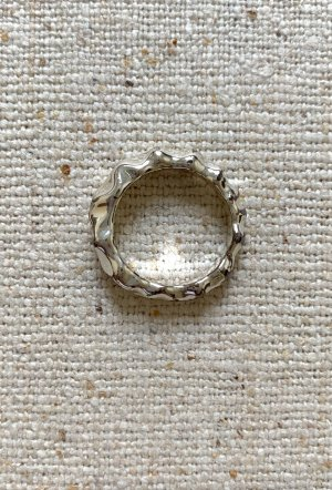 & Other Stories Ring Silber Vintage Look gewellt Gr. S