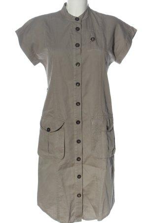Oui Set Vestido camisero gris claro look casual