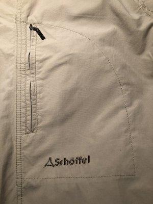 Outdoor-Hose mit pfiffigen Taschenelementen