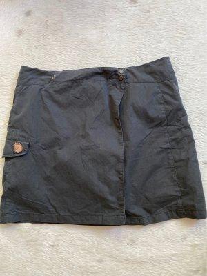 Outdoor Minirock mit eingearbeiteter Shorts von fjällräven, Größe 44