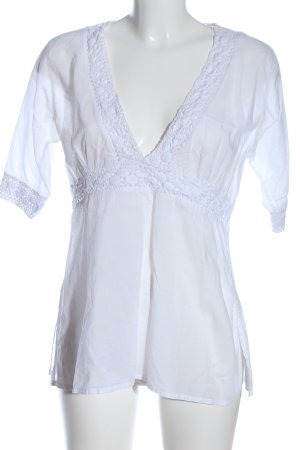 Outfit Fashion Blusa in merletto bianco stile casual