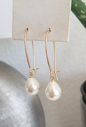 Ovale 18k Gold Ohrhänger mit weißer Perle (Handgemacht)