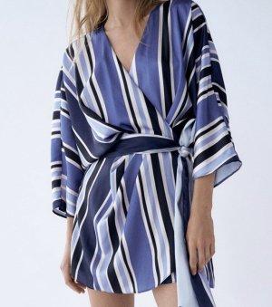 Overall-Kleid mit Streifen von Zara