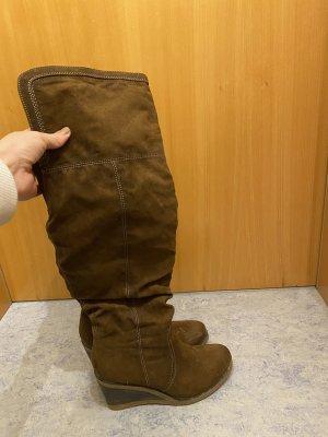 Botas sobre la rodilla coñac