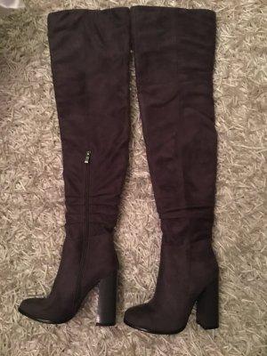 Botas sobre la rodilla gris-gris oscuro